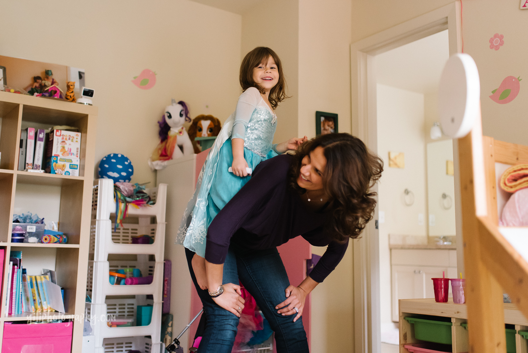 Seattle_Family_Photographer_at_home-15