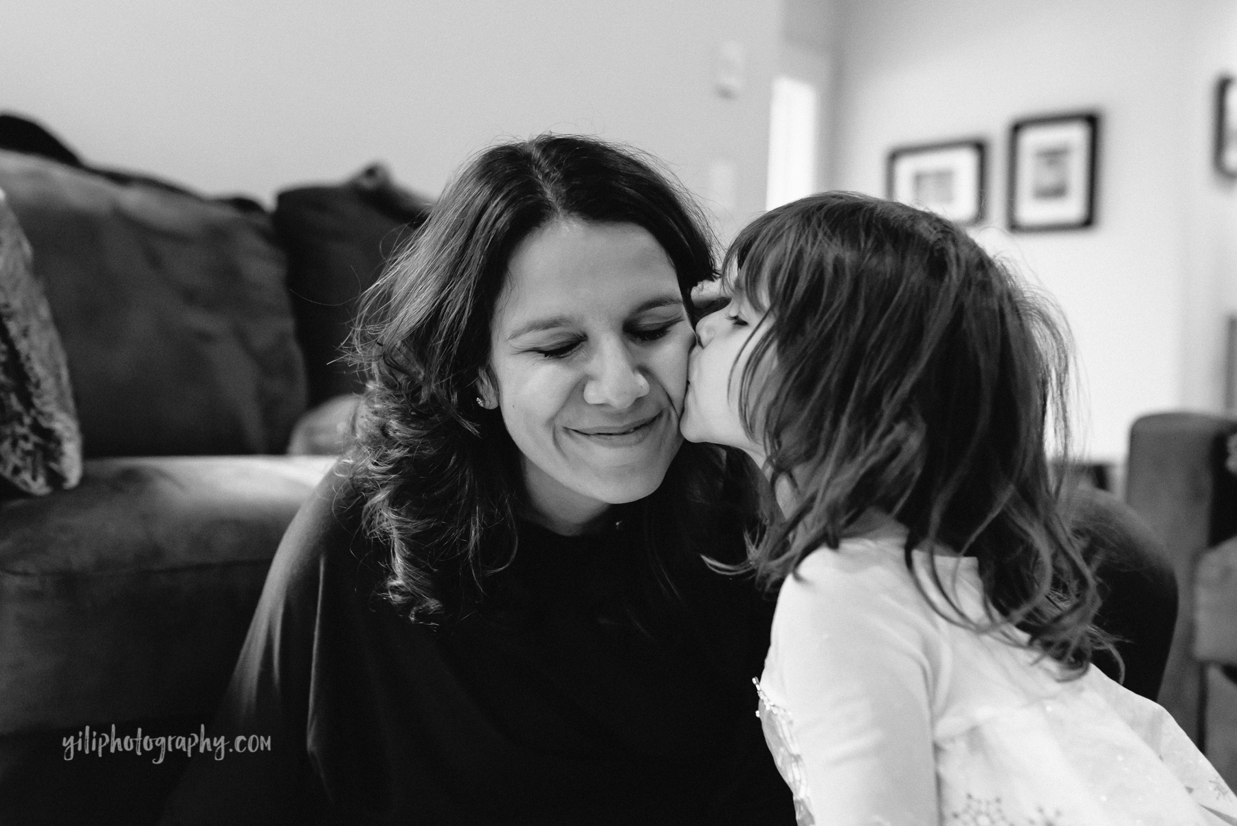 Seattle_Family_Photographer_at_home-16
