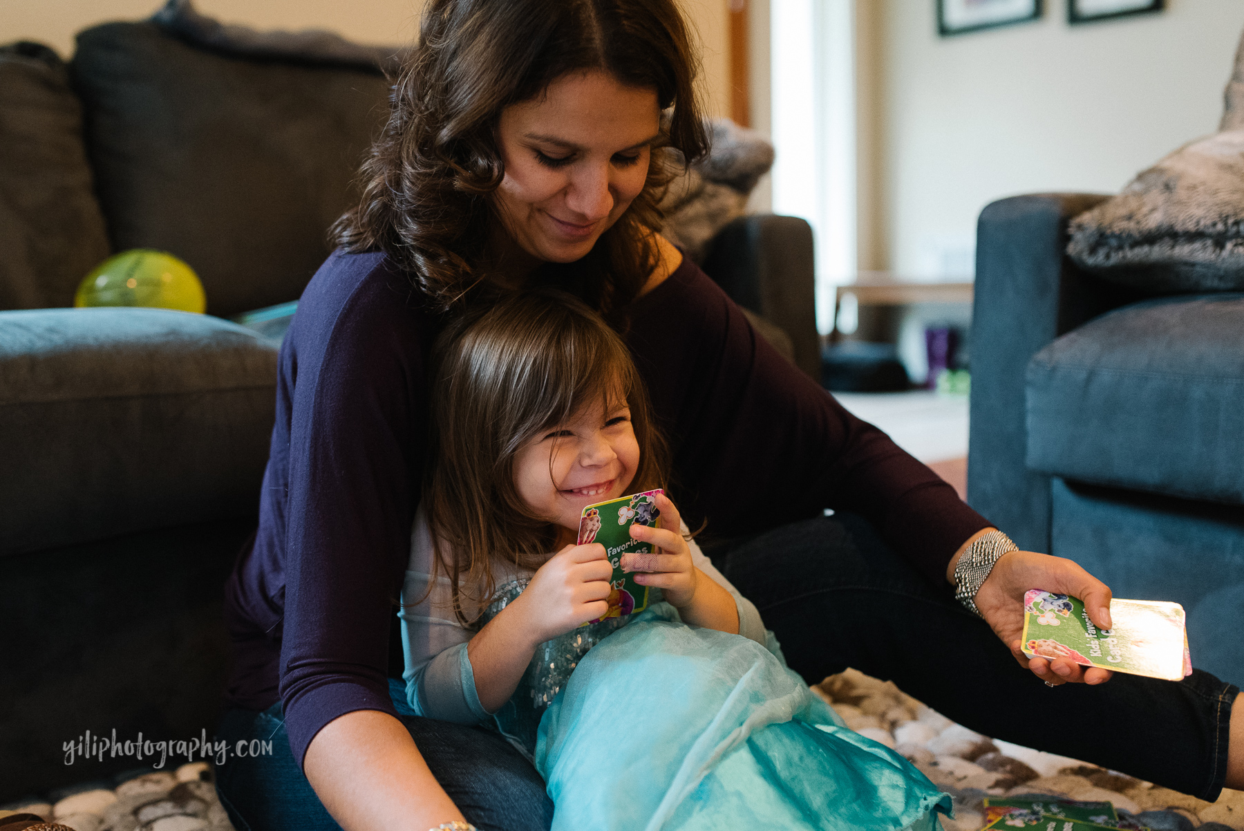 Seattle_Family_Photographer_at_home-17