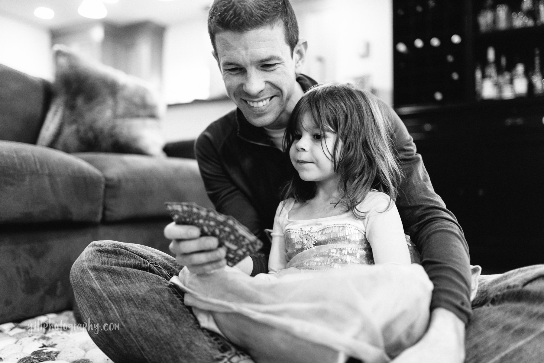 Seattle_Family_Photographer_at_home-19